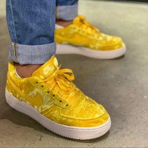 🌸 NIKE AIR FORCE 1 Sneakers Shoes Velvet